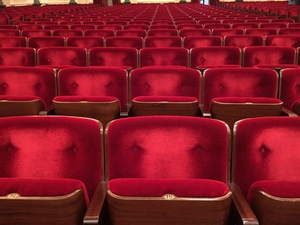 theatre-1234481_1920
