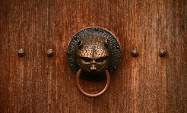 door-3013319_1280